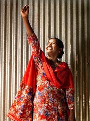 """Ausstellung """"Ich mache deine Kleidung - Die starken Frauen aus Südostasien"""""""